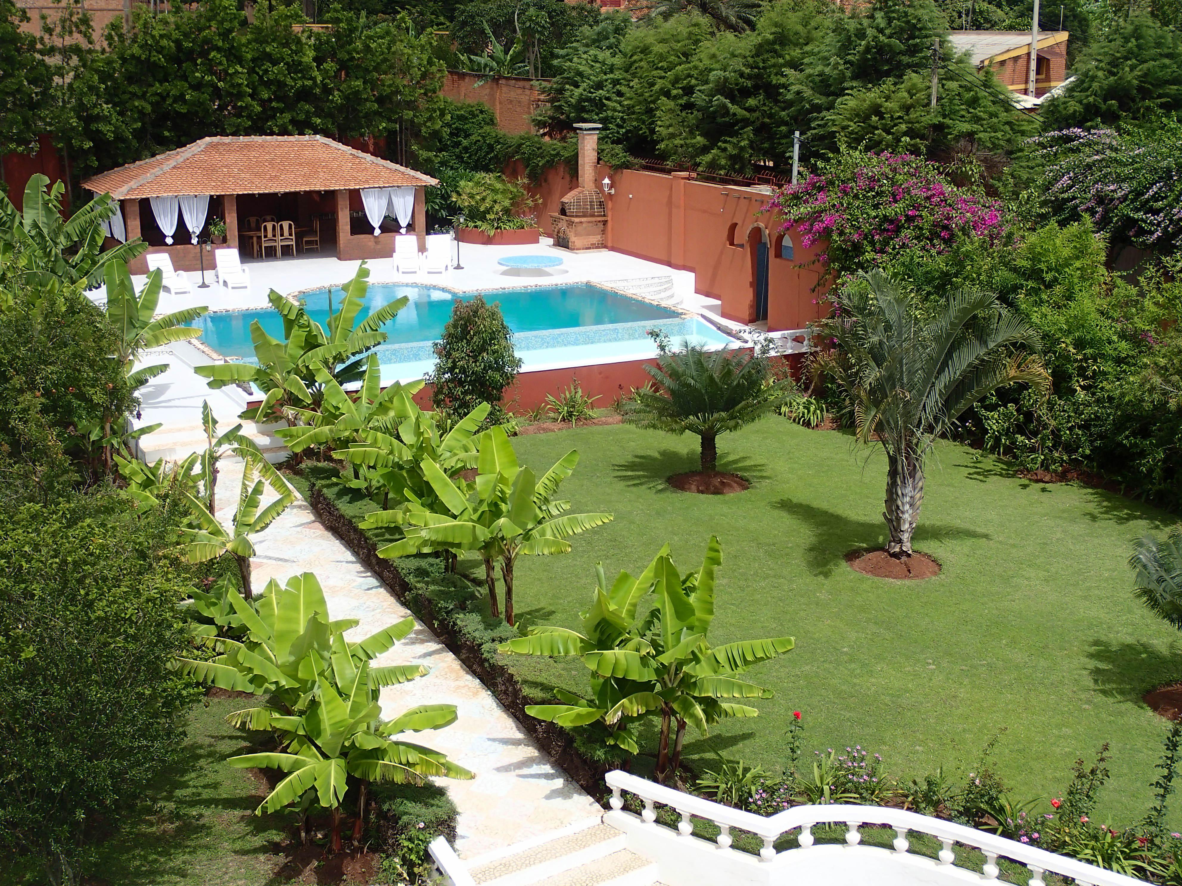 For sale villa ivato antananarivo madagascar for Jardin 600m2