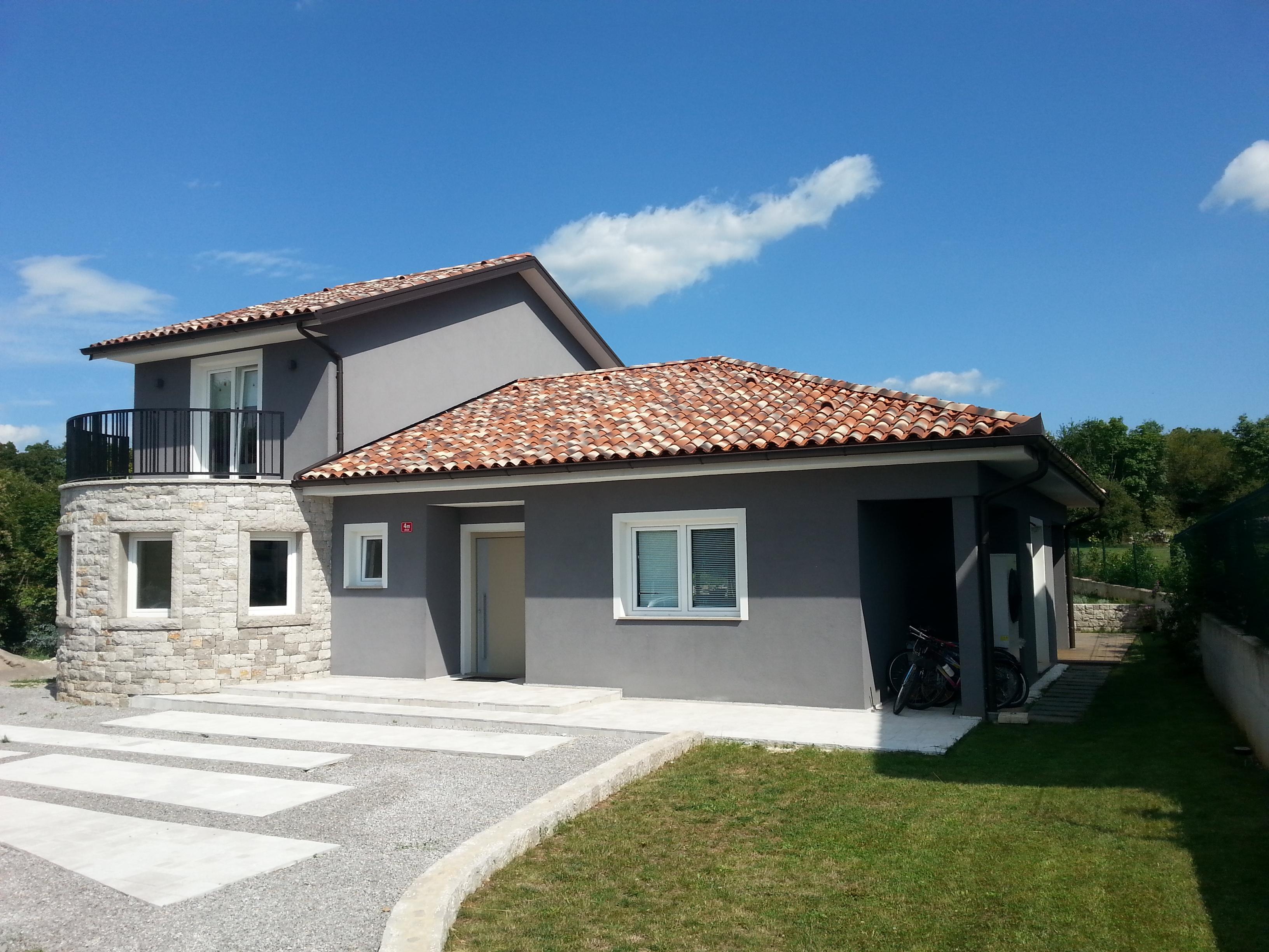 Vendita casa indipendente lokev primorska slovenia for Casa di vetro moderna in vendita