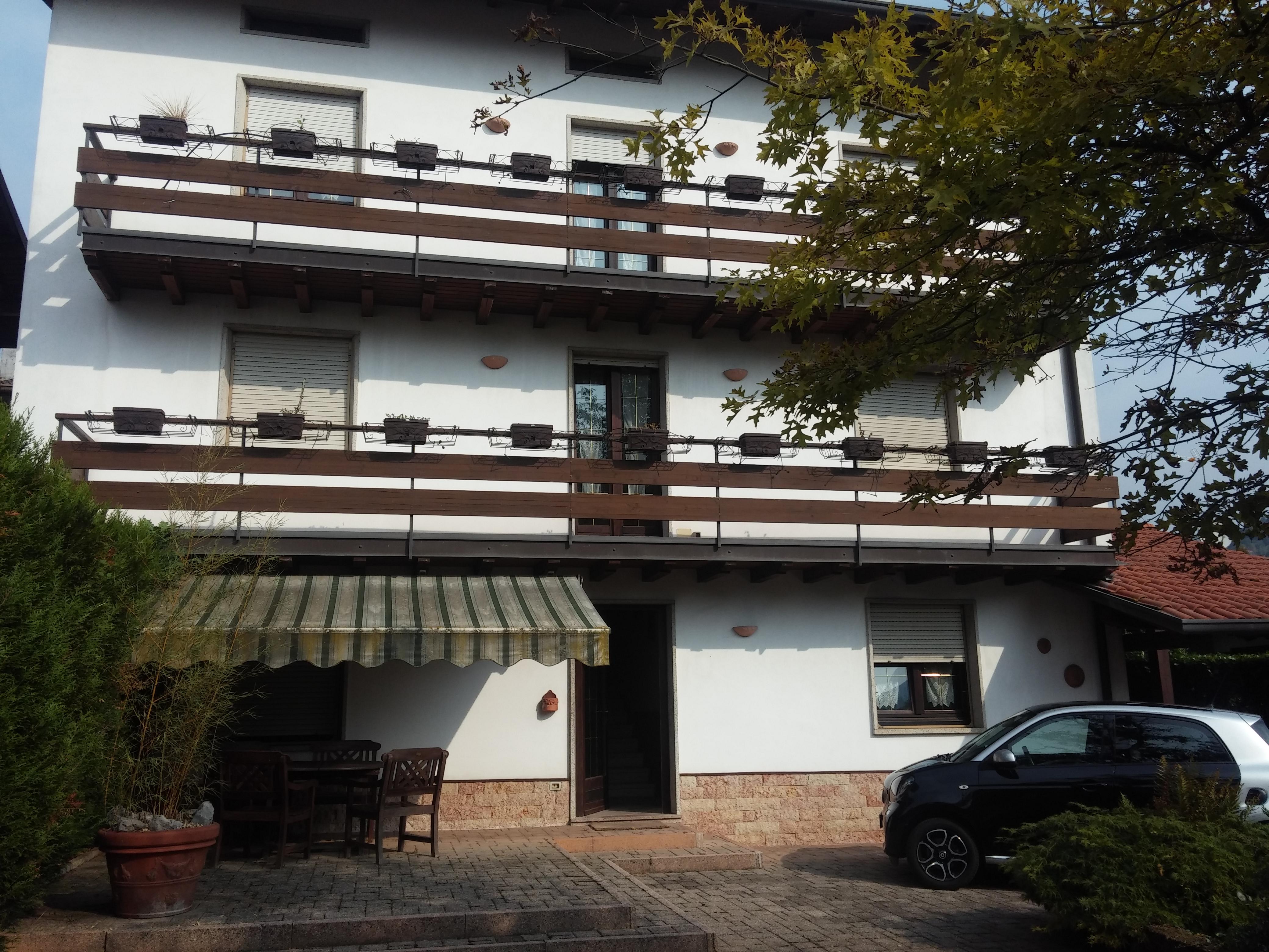Vendita casa indipendente valle imagna bergamo italia for Casa indipendente bergamo