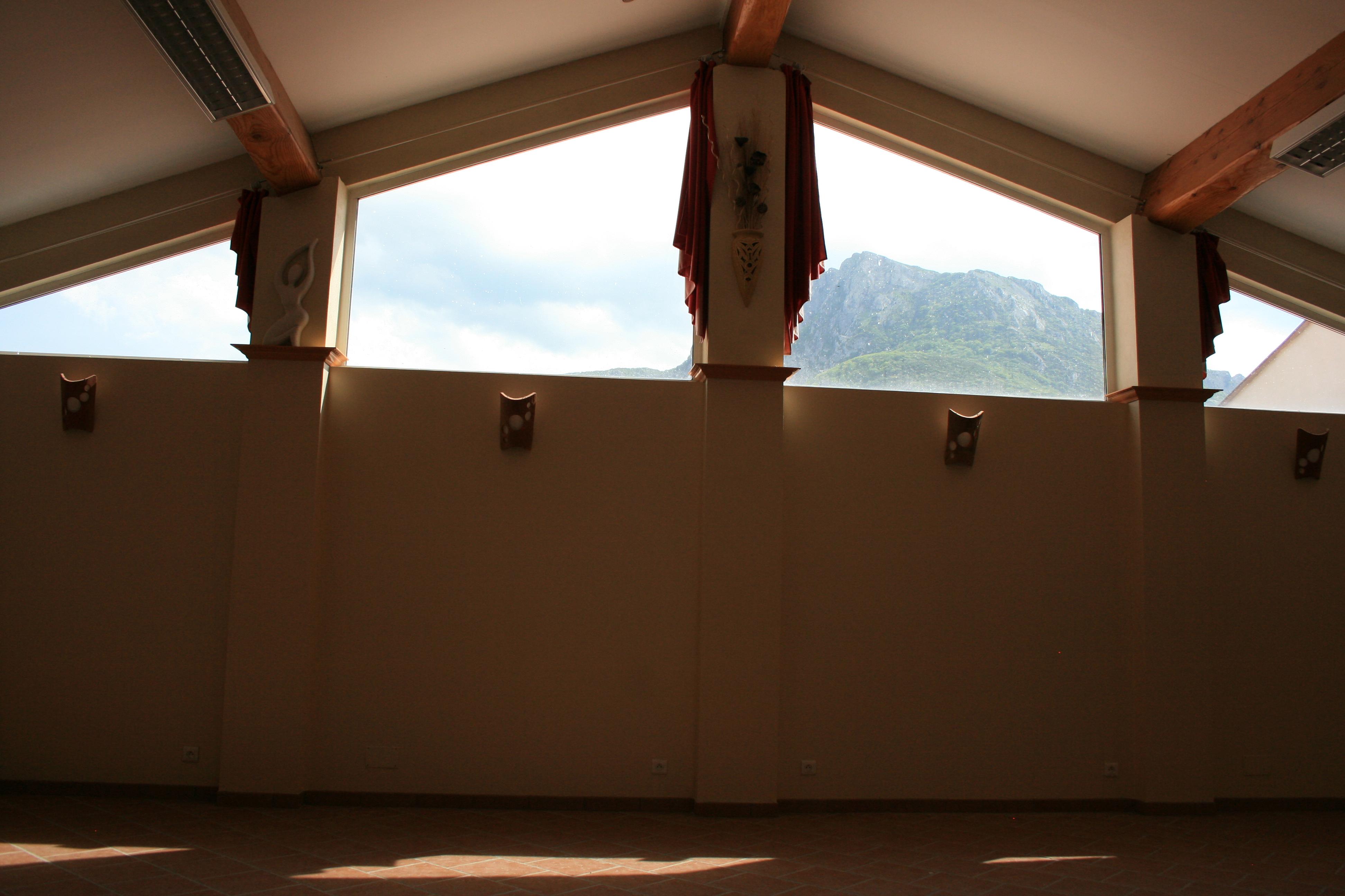 Vendita rustico casale bugarach aude francia le linas for Casa carrelage rennes