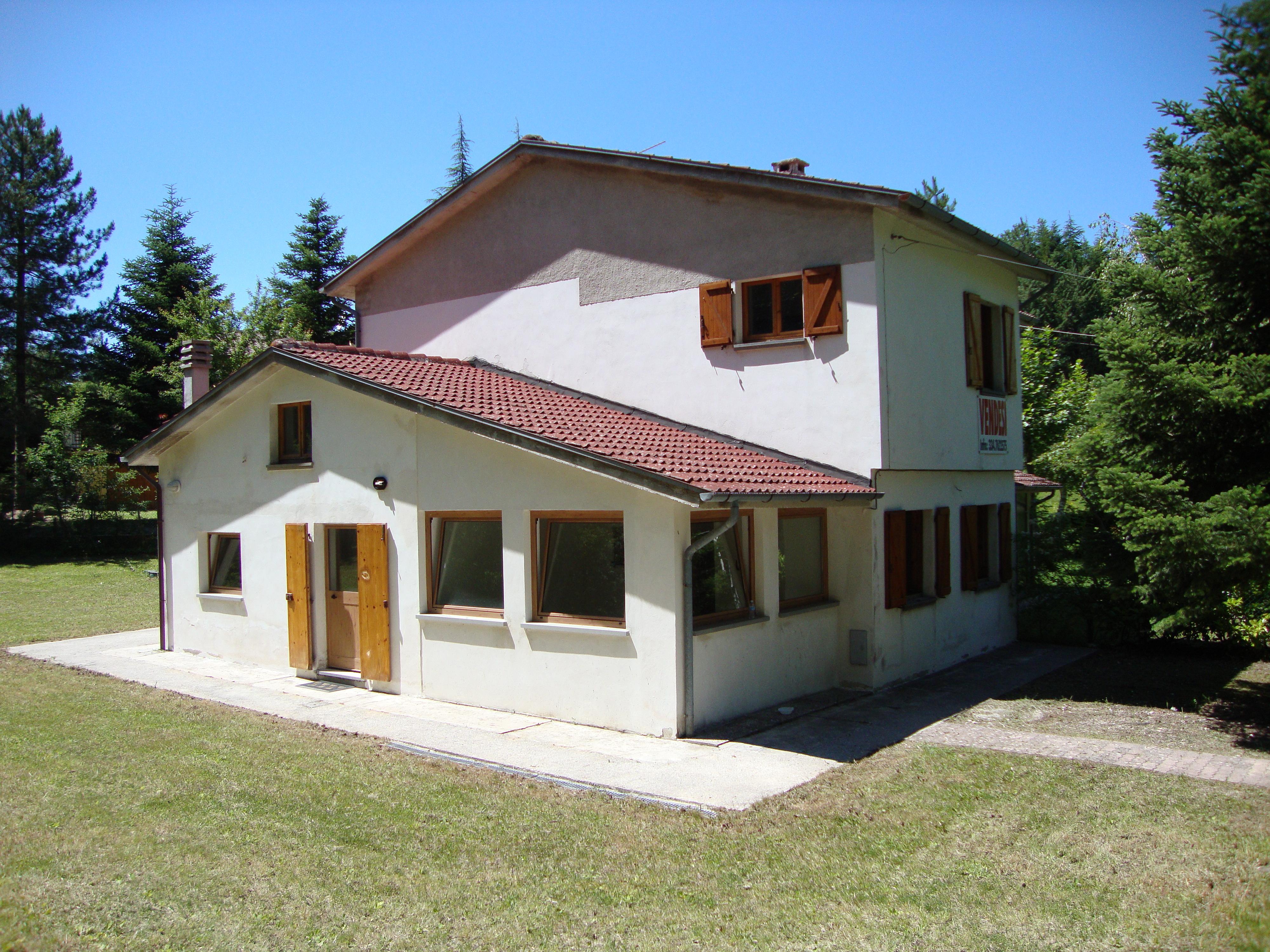 Vendita casa indipendente serravalle di carda pesaro e for Casa 750 piedi quadrati