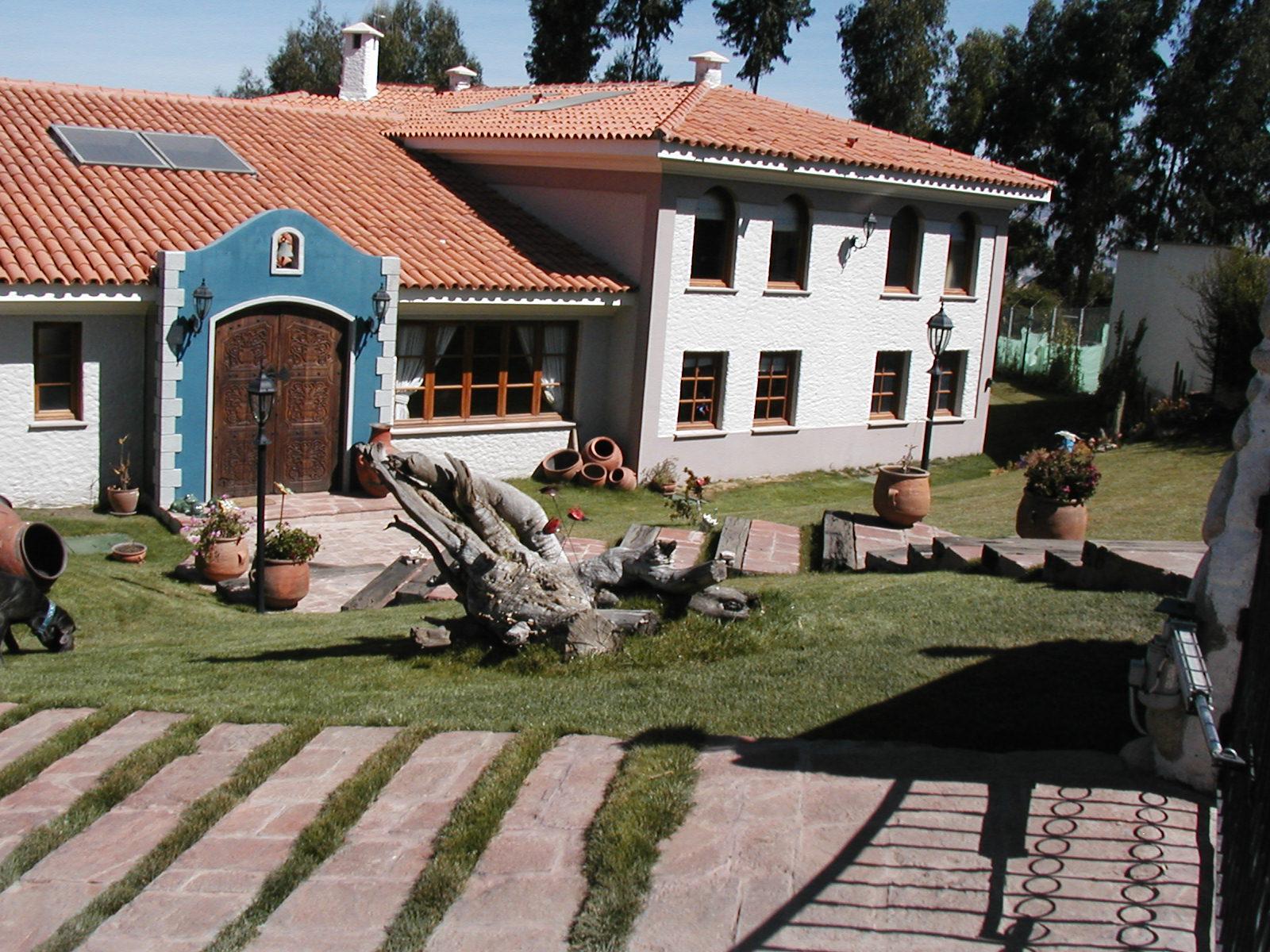 Venda casa de campo la paz la paz bol via achumani for Casas minimalistas la paz bolivia
