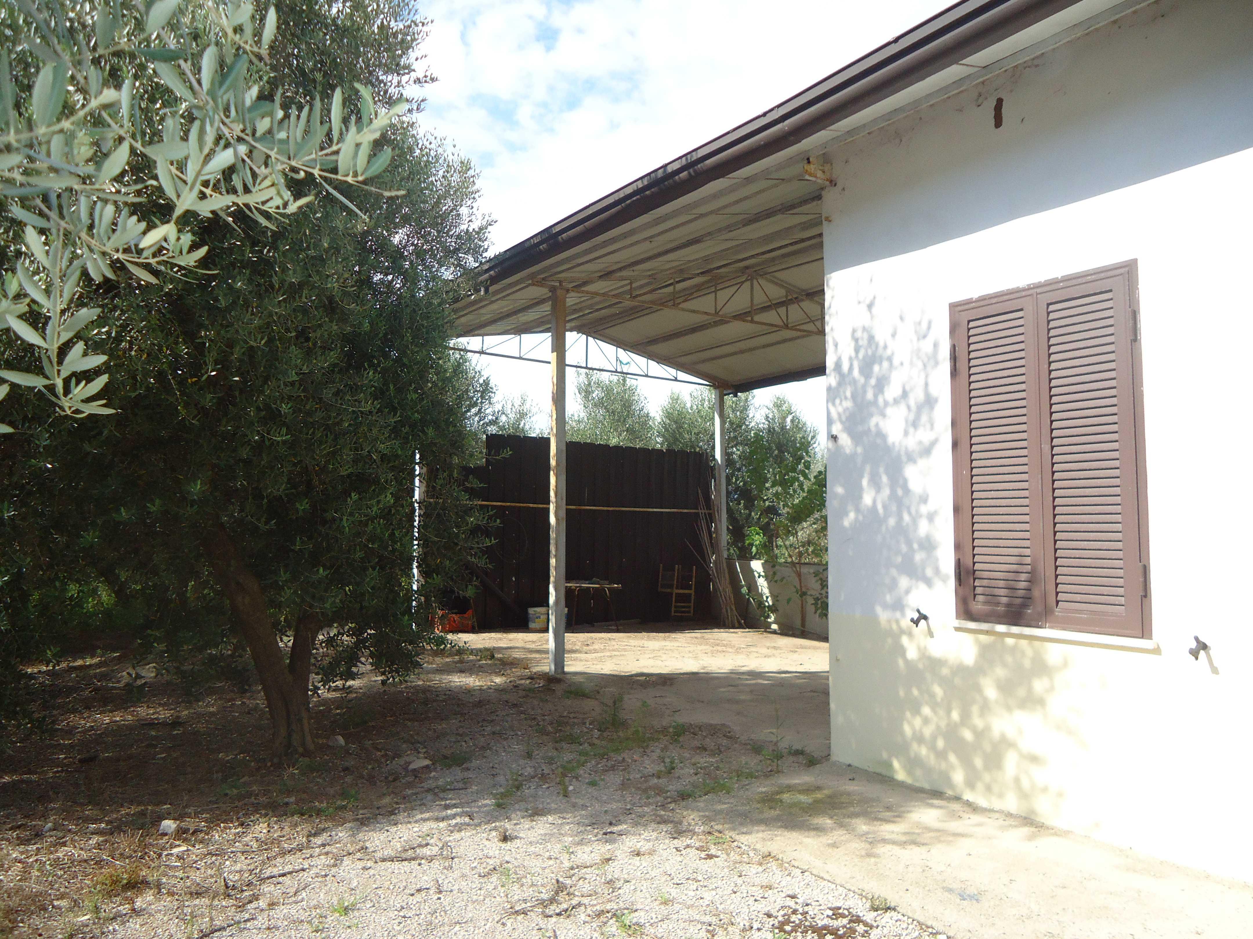 Vendita rustico casale terracina latina italia via for Case in vendita terracina