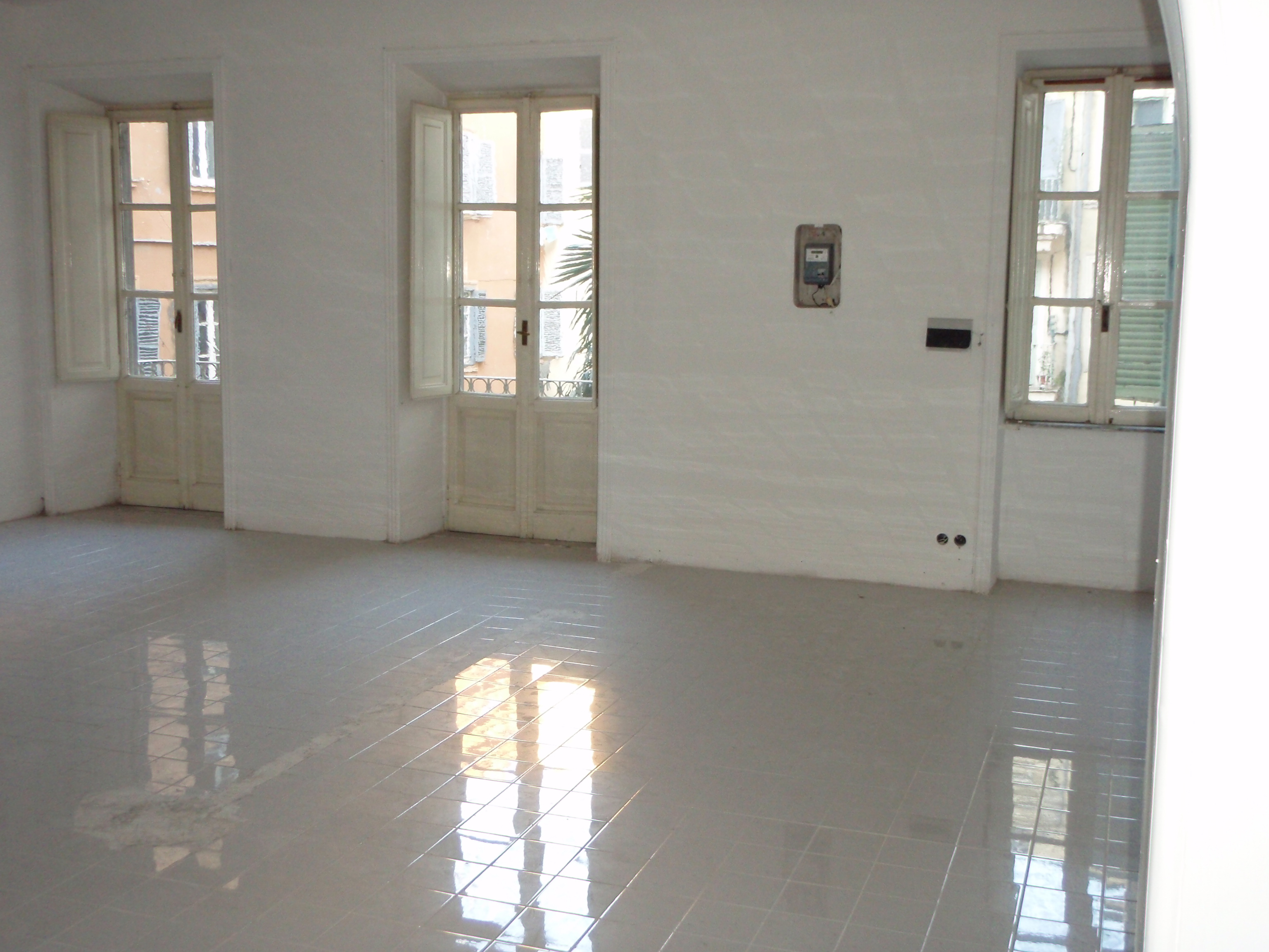 Venta Más de 5 Habitaciones, Roma, Roma, Italia, via bergamo 43  italia.real...