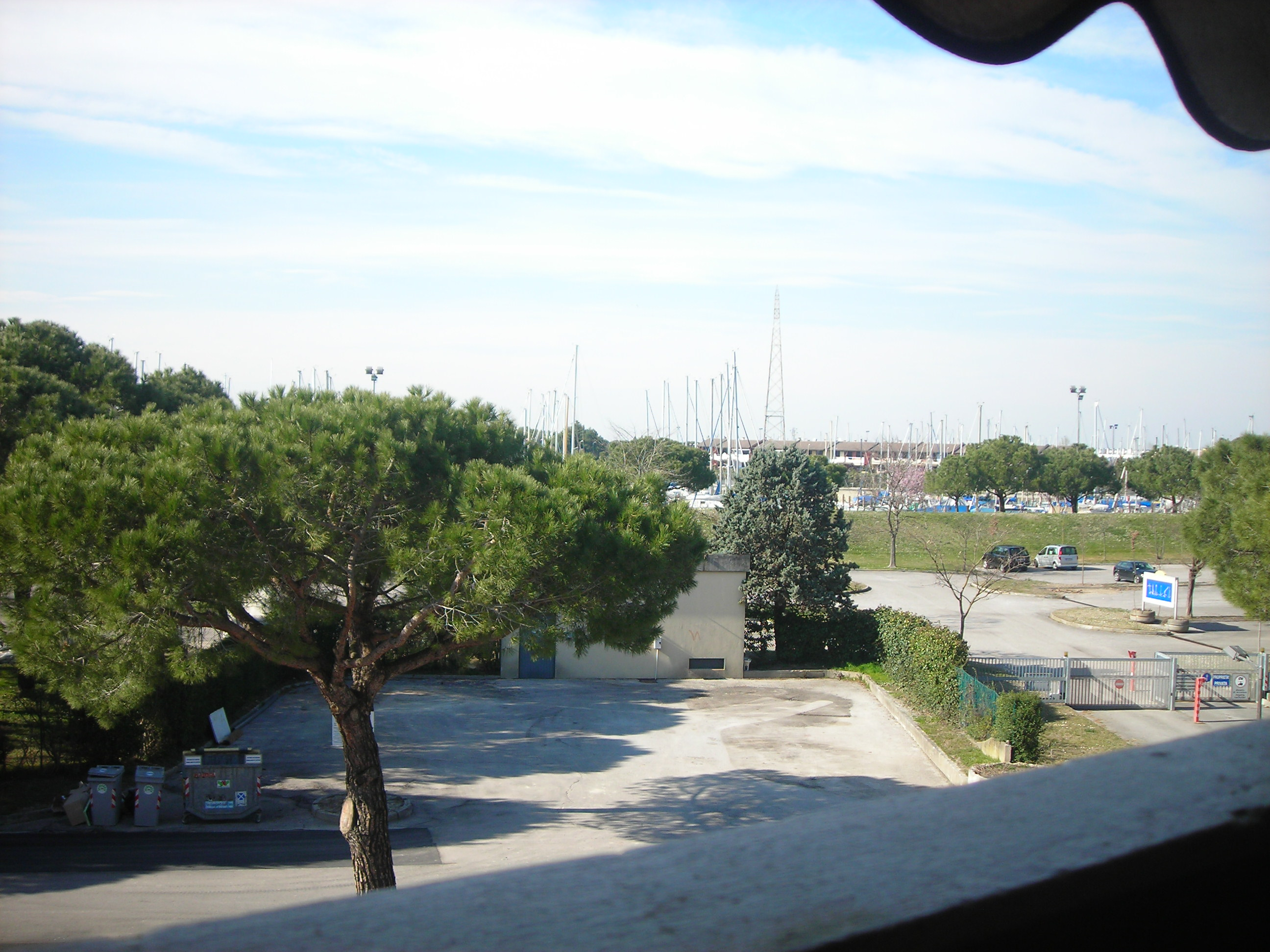 Vendita bilocale aprilia marittima udine italia via for Appartamento affitto aprilia arredato
