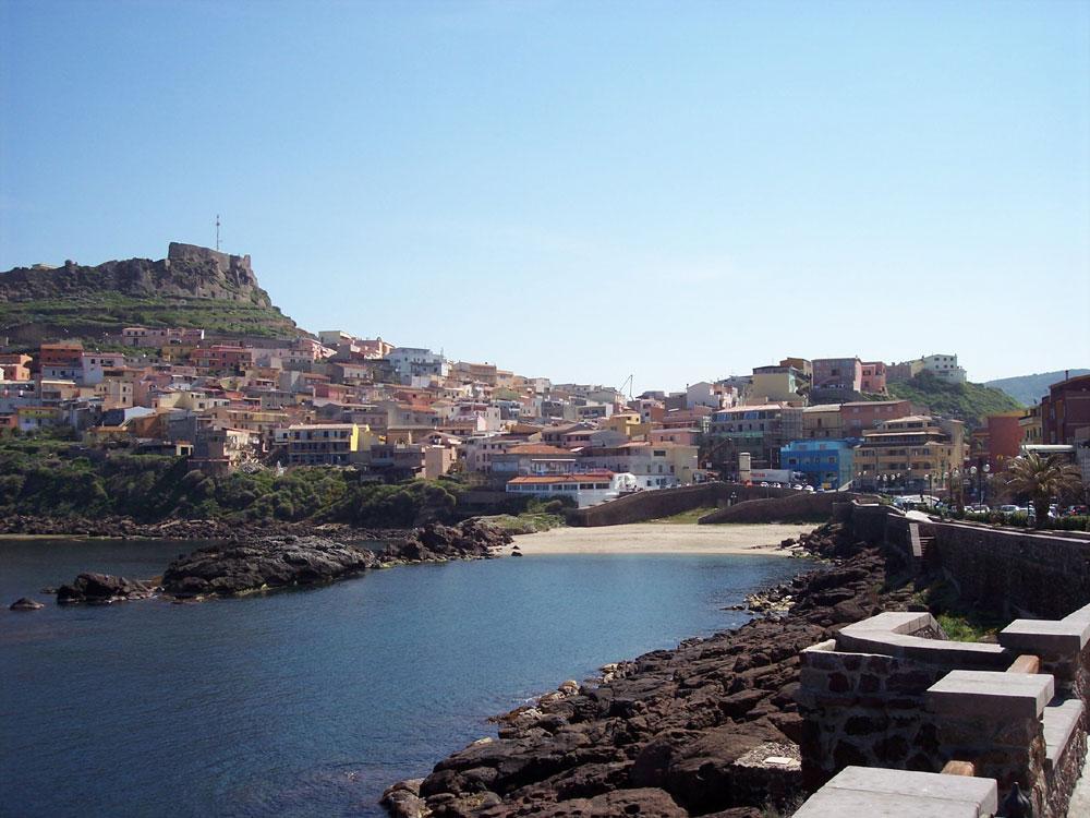 Alquiler apartamento para vacaciones castelsardo sardegna sassari italia via magellano - Alquilar apartamento vacaciones ...