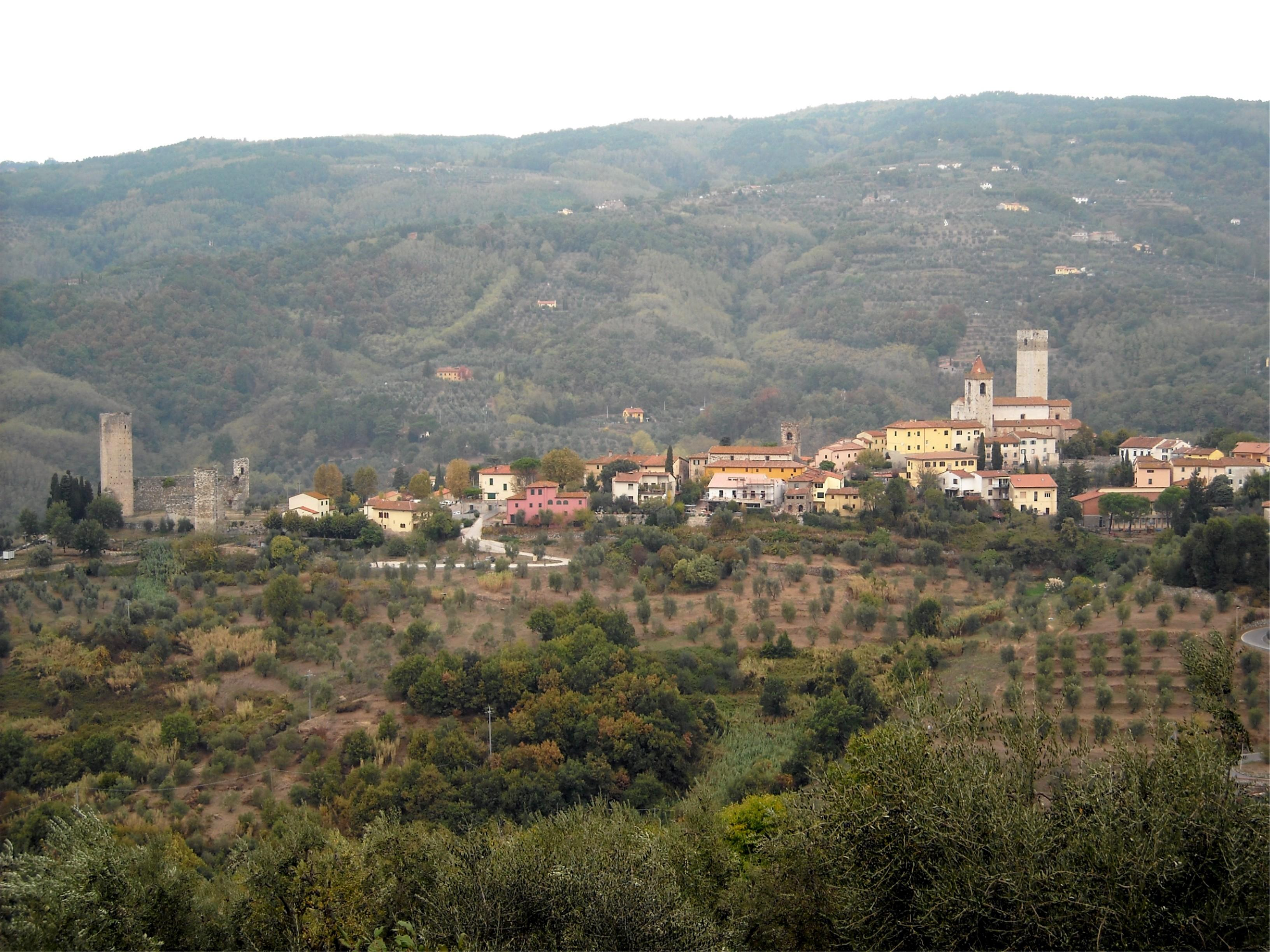 For sale farmhouse serravalle pistoia italy via poggio for Serravalle italy