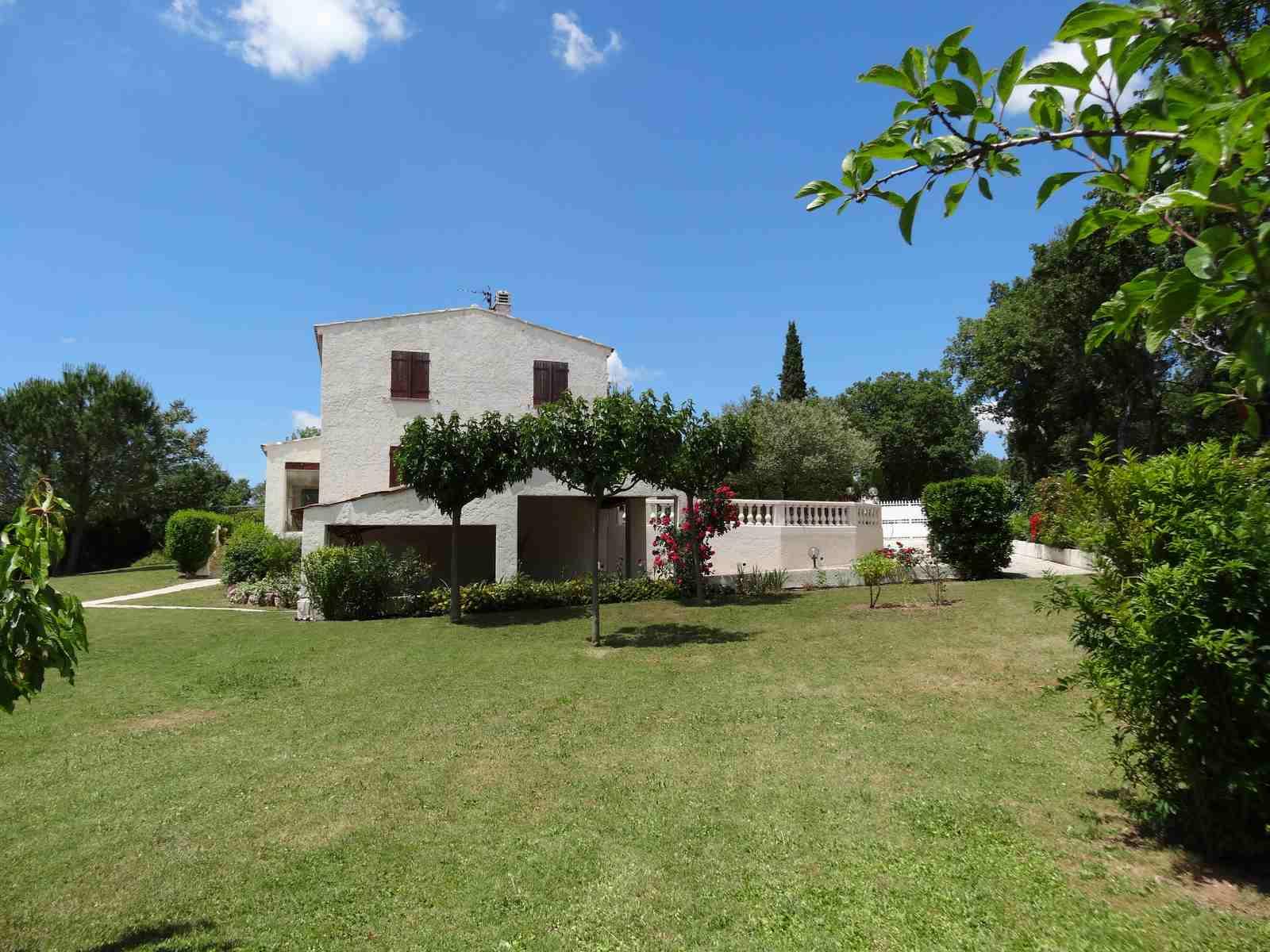 For sale villa var regusse alpes de haute provence for Haute provence