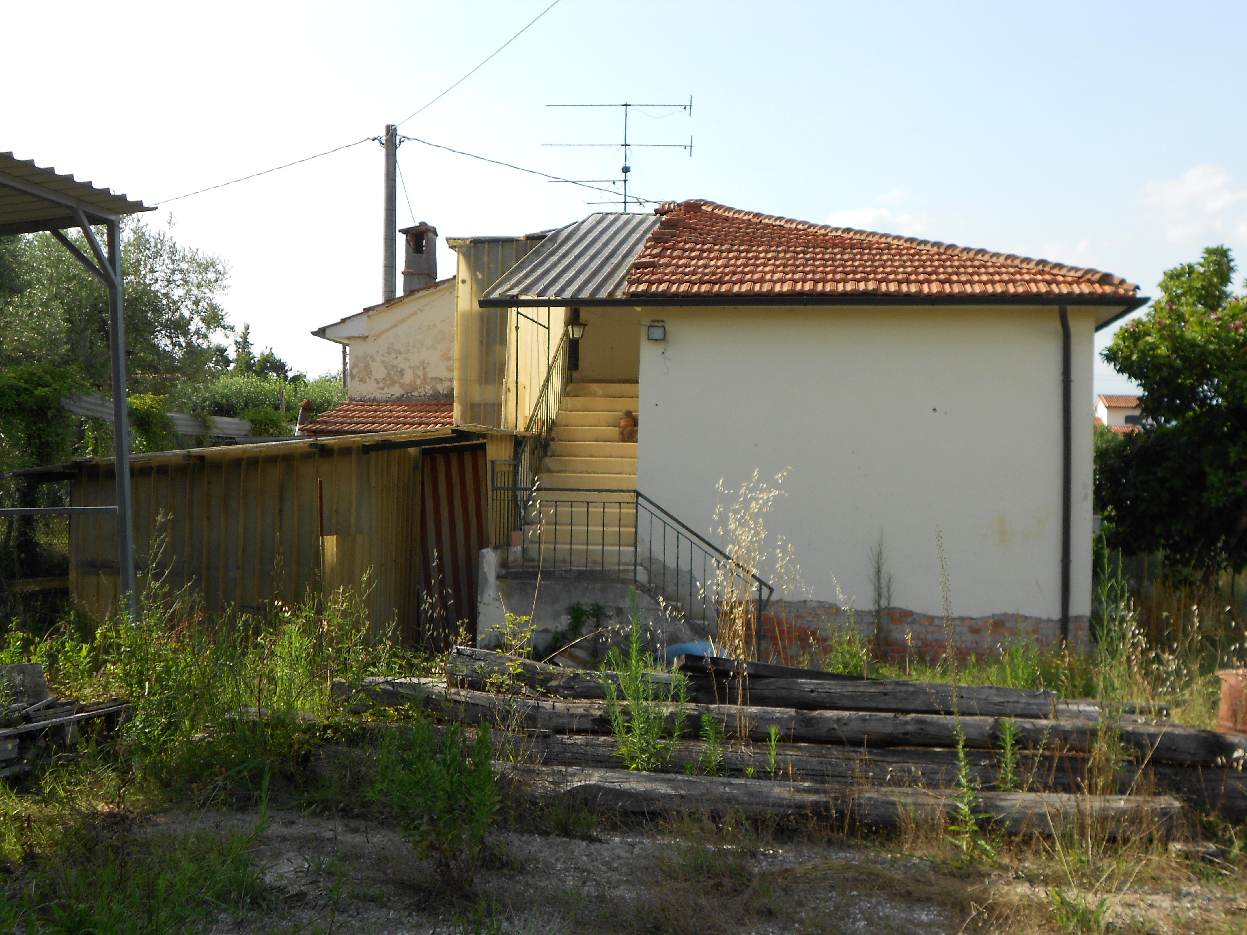 Vendita casa indipendente querce firenze italia via peciatina - Case in vendita firenze giardino ...
