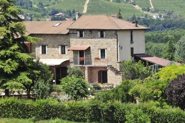 vente villa acqui terme alessandria italie xxx. Black Bedroom Furniture Sets. Home Design Ideas