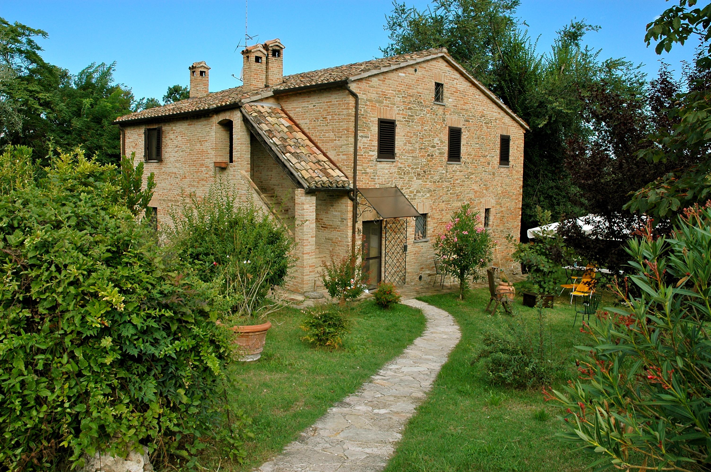 For Sale Farmhouse Urbino Pesaro And Urbino Italy Via