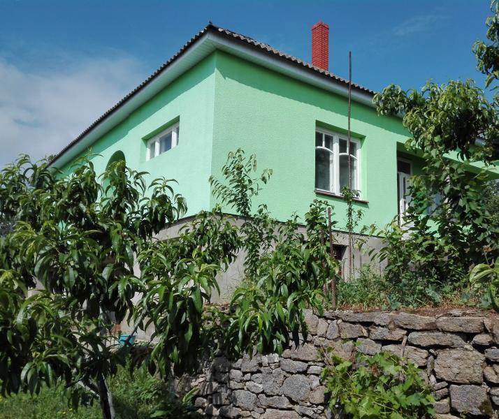 Zu Verkaufen Haus, Akli Hegy, Zakarpattia, Ukraine, Zöld