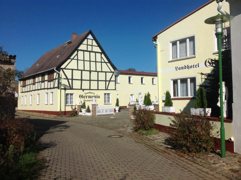 zu vermieten hotel wanzleben magdeburg deutschland friedrich ebert str 4 deutschland. Black Bedroom Furniture Sets. Home Design Ideas